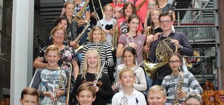 Dirigent onder indruk van Veghels kinderorkest TOF en neemt cd op