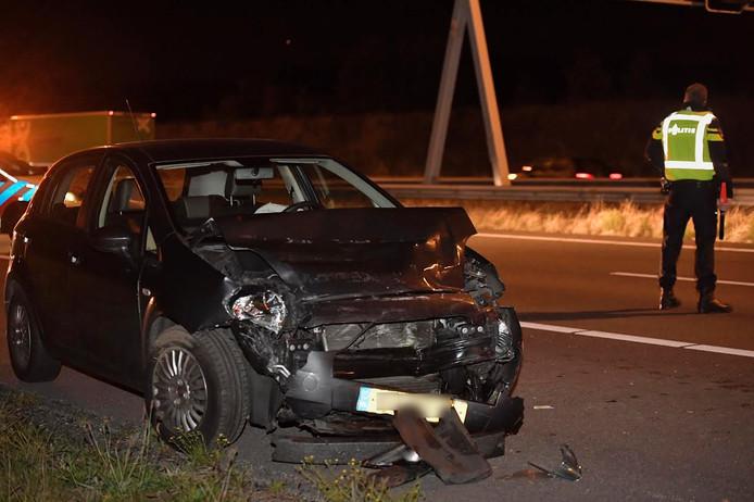 De bestuurder van deze auto raakte gewond.