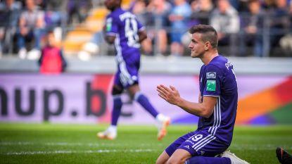 VIDEO. Anderlecht bijt 70 minuten lang tanden stuk op tienkoppig STVV en incasseert met brilscore nieuwe tik