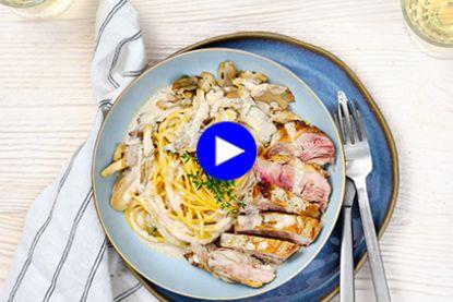 Met deze superieure champignonsaus bij je stukje wild blaas je iedereen van tafel