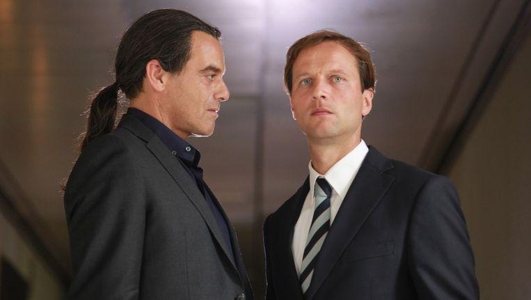 Jeroen Willems (links) in 'De ontmaskering van de vastgoedfraude'. Beeld VPRO