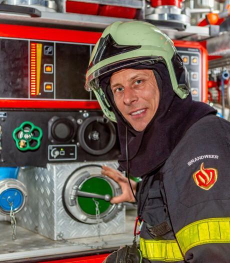 Brandweer Standdaarbuiten heeft te weinig man, daarom wordt René ingezet als 'posterboy'