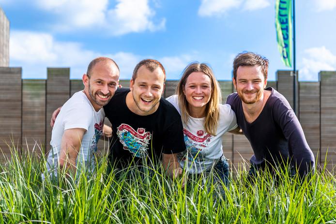 De initiatiefnemers van de verhalenbibliotheek. Vlnr: Bertrand van Leersum (35, finance), Rogier van den Berg (35, founder), Melanie van Norden (35, founder) en Arthur Gorey (27, developer) in Castellum Hoge Woerd.