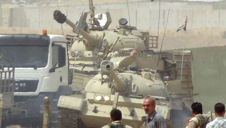 Koerdische strijders maken zich op voor een eventuele clash met ISIS Beeld null