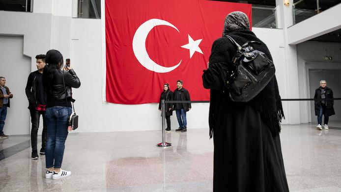 Turken konden afgelopen week in het GIA Exhibition Center op Zichtenburg meedoen aan het Turkse referendum.