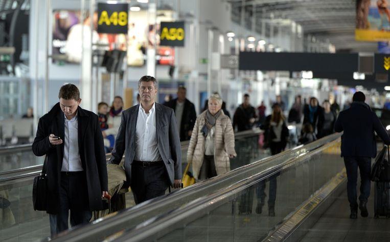 Reizigers op de luchthaven van Brussel. Beeld belga