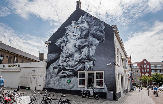 Het bestaande kunstwerk op de zijmuur van coffeeshop High Life aan de Wijngaardstraat.