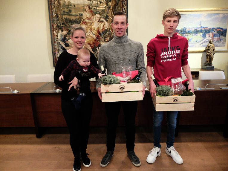 Laurens Sweeck, met partner Annouck en zoon Matthis, en Mike Uytterhoeven