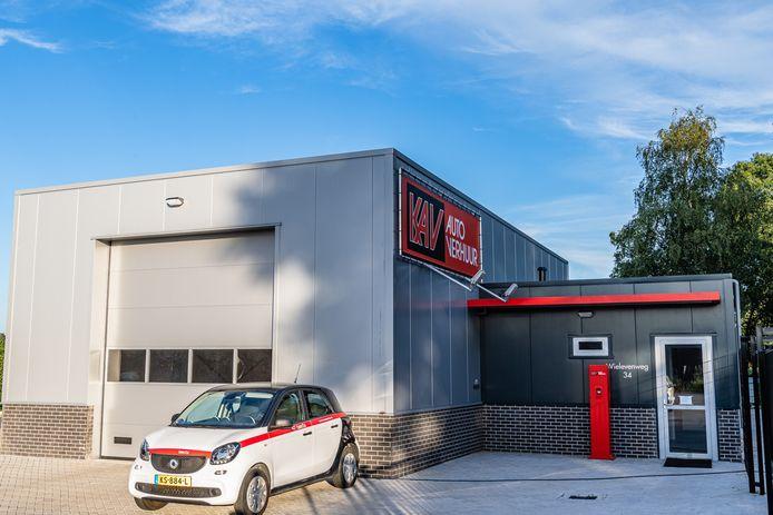 Gemeente Tilburg sluit pand autoverhuurder.