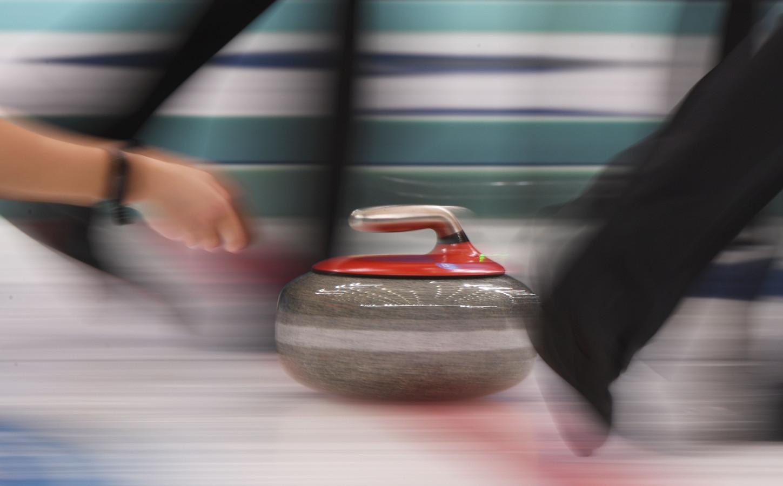 Curlingmannen Koesteren Re 235 Le Kans Op Spelen Foto Ad Nl