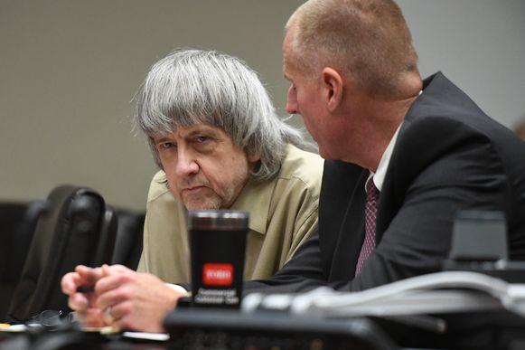 David Turpin luistert naar zijn advocaat.