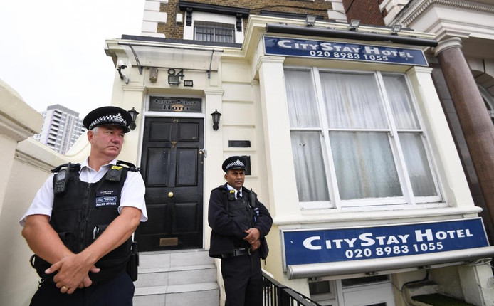 Deux agents de police londoniens