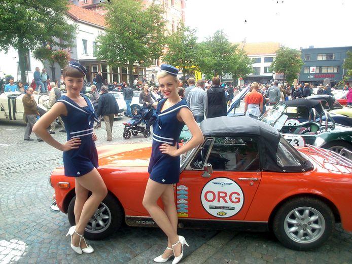 The Retronettes zorgden met Radio Modern voor een leuke sfeer op het oldtimerfestival De Zaat Raast.