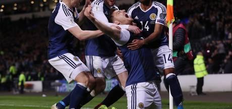 Late treffer Martin houdt Schotland in de race voor WK-ticket