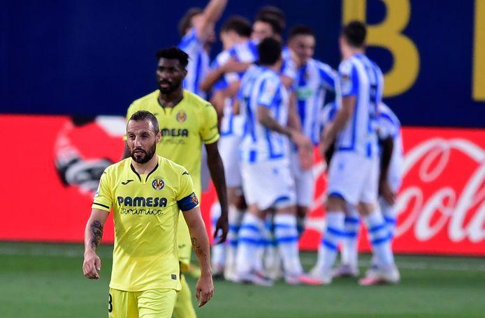 Teleurstelling bij Santi Cazorla na de goal van Real Sociedad.