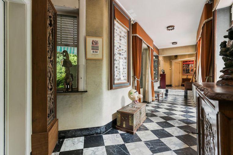 Als je goed ruikt, kun je misschien nog een wafelgeur bespeuren in de gangen van de villa.