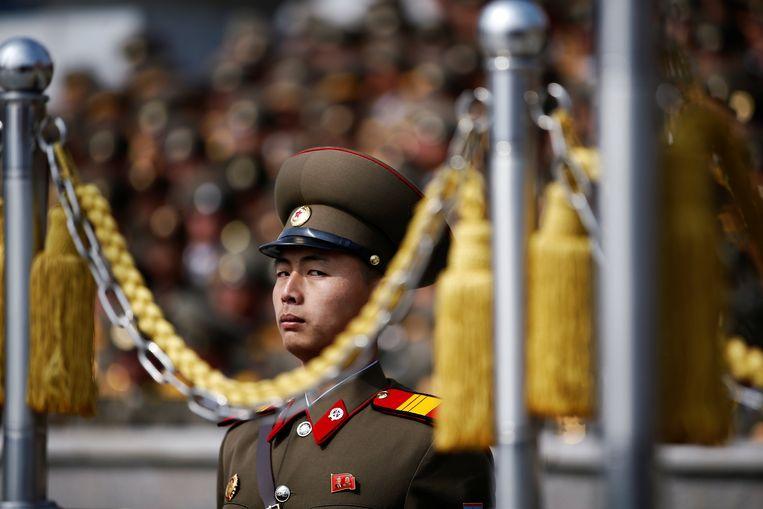 Een soldaat houdt de wacht. Beeld REUTERS