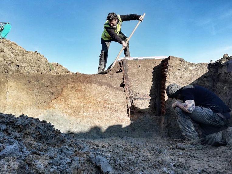 Archeologen vonden een goed bewaard stuk loopgraaf in Ieper.
