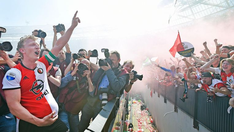 Dirk Kuyt viert het kampioenschap met Feyenoord Beeld Guus Dubbelman / de Volkskrant