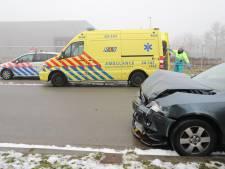 Man gewond door ongeluk op kruising in Tilburg