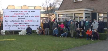 Spontaan protest bewoners Hengelo tegen komst 25 cliënten beschermd wonen