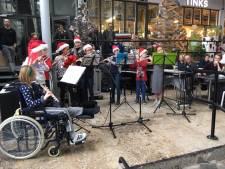 Phoenix zorgt voor kerstsfeer op Noordkade in Veghel