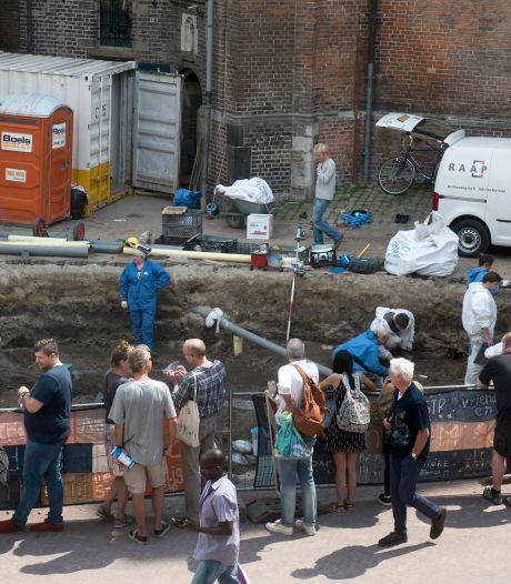 Arnhem verwacht nog tientallen skeletten op te graven <br>