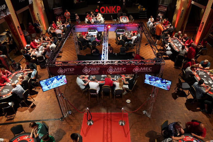 Het open Nederlands kampioenschap pokeren.
