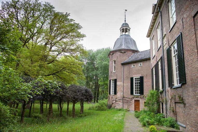 Landgoed Hackfort in Gelderland is een populaire wandelbestemming. Natuurmonumenten gaat parkeergeld heffen voor niet-leden. Beeld