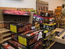 Vuurwerkverbod speelt verkopers in Duitsland in de kaart: 'Mensen die altijd vuurwerk halen, doen dat nu ook'