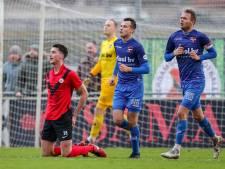 Oud-speler De Graafschap krijgt tegen De Treffers rood voor drinken uit bidon