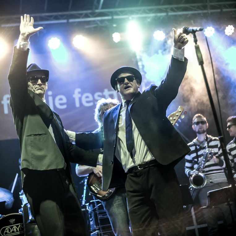 The Blues Brothers tribute band (Blues Brothers tribute). Winnaar The Clash of the Coverbands Award 2006. Beeld Daniel Cohen