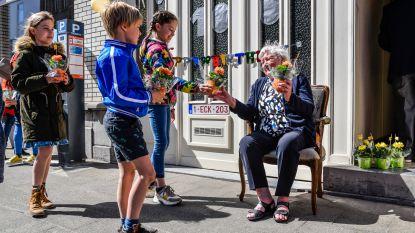 """Geen groot feest voor 100ste verjaardag Rosine, maar familie en buren zorgen voor verrassing: """"Knuffels en kussen zijn voor later"""""""