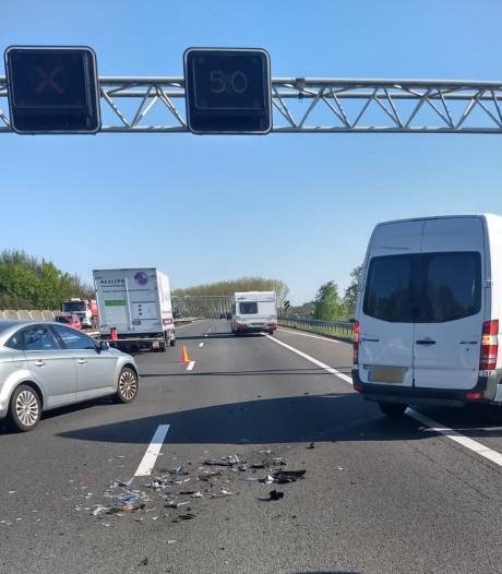 Drukte op Brabantse wegen door Pasen en ongelukken: files worden minder