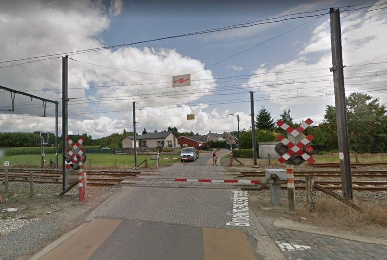 De spoorwegovergang in de Broekmansstraat