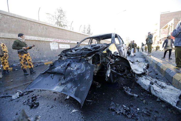Het wrak van auto die werd gebruikt bij de zelfmoordaanslag. Beeld reuters