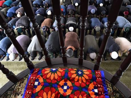 "La France va bannir les imams ""détachés"", venus de l'étranger"