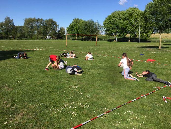 Sportschool Geelhoed traint nu buiten.
