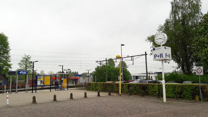 Het NS-station in Olst.