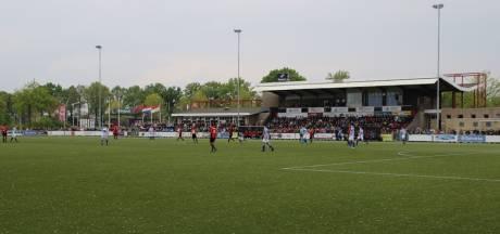 Best Vooruit hengelt Gerben Sozeyedio van Jong FC Eindhoven binnen