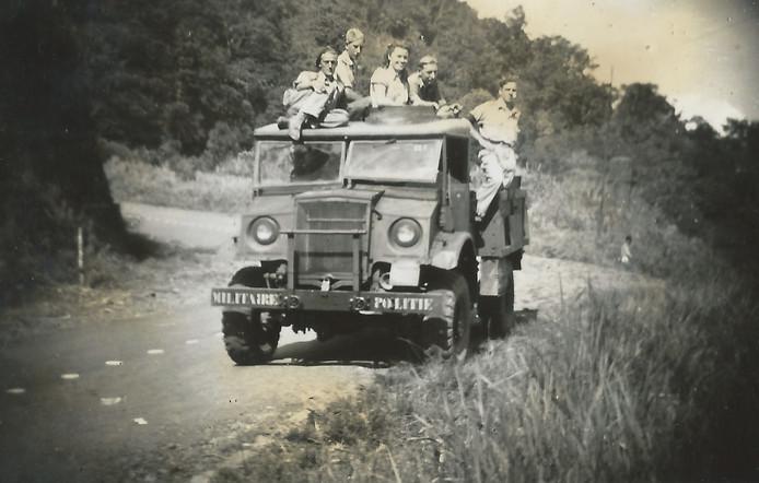 Foto's uit besproken boek van Ronald Nijboer: 'Tabé Java, Tabé Indië'