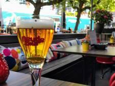 De Neude heeft zijn eigen bier: 'Hier kun je er wel een paar van op'