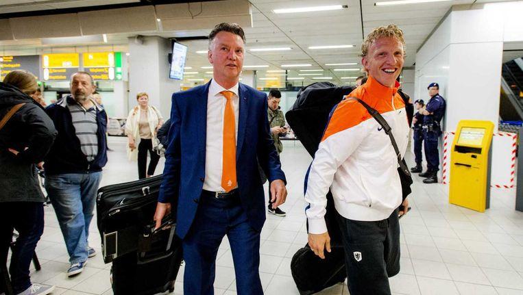 Kuyt naast bondscoach Van Gaal