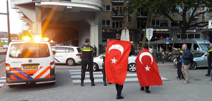 Aanhangers van Erdogan in Rotterdam.