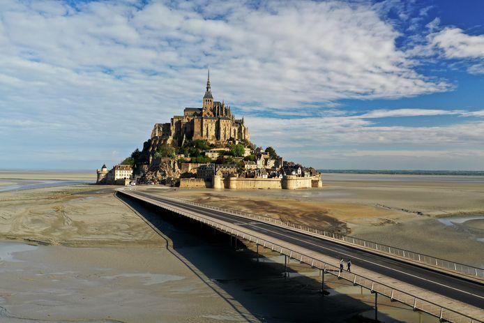 Le Mont-Saint-Michel désert, une image rare prise durant le confinement (17 avril 2020)