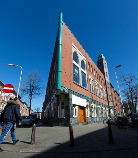 Virus brengt moskeeën in grote financiële problemen: 'Iedereen let nu op zijn centjes'