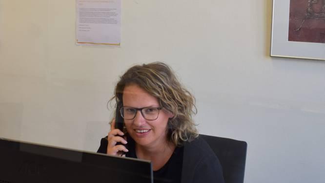 """Stad Turnhout start nieuwe belronde naar (eenzame) senioren: """"Belangrijk met de ongewone feestdagen voor de deur"""""""