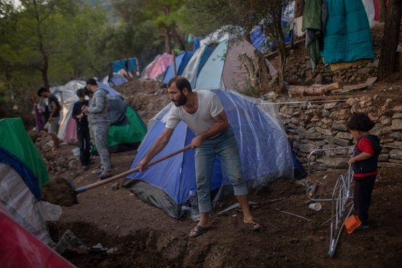 Het migrantenkamp op Samos, archiefbeeld. Het kamp huisvest nu zo'n 5.700 mensen, maar had eigenlijk een capaciteit voor slechts 650 mensen.
