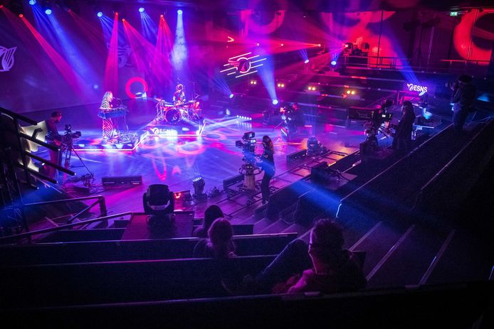 De muziekgroep Spill Gold verzorgt een concert voor Eurosonic Noorderslag. Het Groningse festival vindt dit jaar volledig online plaats.