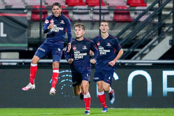 Karim Loukili is door het dolle na zijn doelpunt tegen NEC (2-2). Het levert Helmond Sport een punt op.